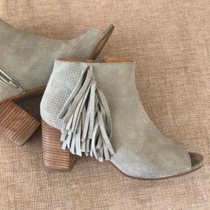 KENSIE Erika suede fringe open toe ankle boot 8.5